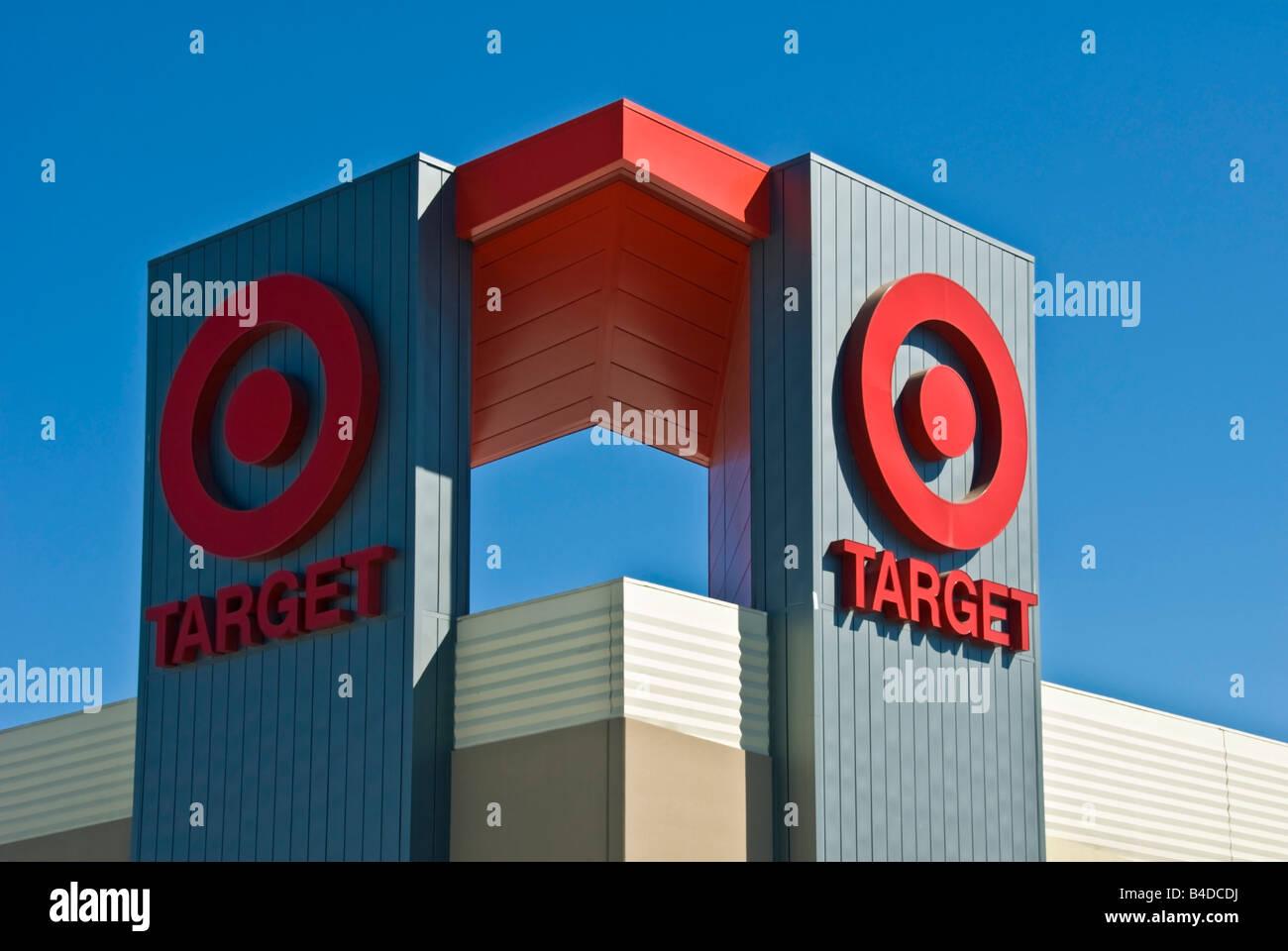 Ziel-Kaufhaus Zeichen Logo Warner Center Topanga Shopping Center Los Angeles Kalifornien Usa Ziel Logo Schild außen Stockfoto