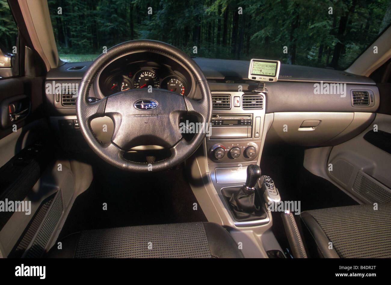 Auto, Subaru Forester, Mittelklasse, Fließheck, Baujahr 2002-Silber ...