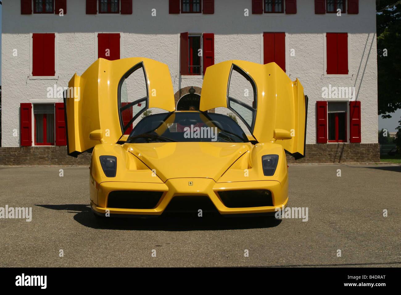 Yellow Ferrari Enzo Stockfotos Und Bilder Kaufen Alamy