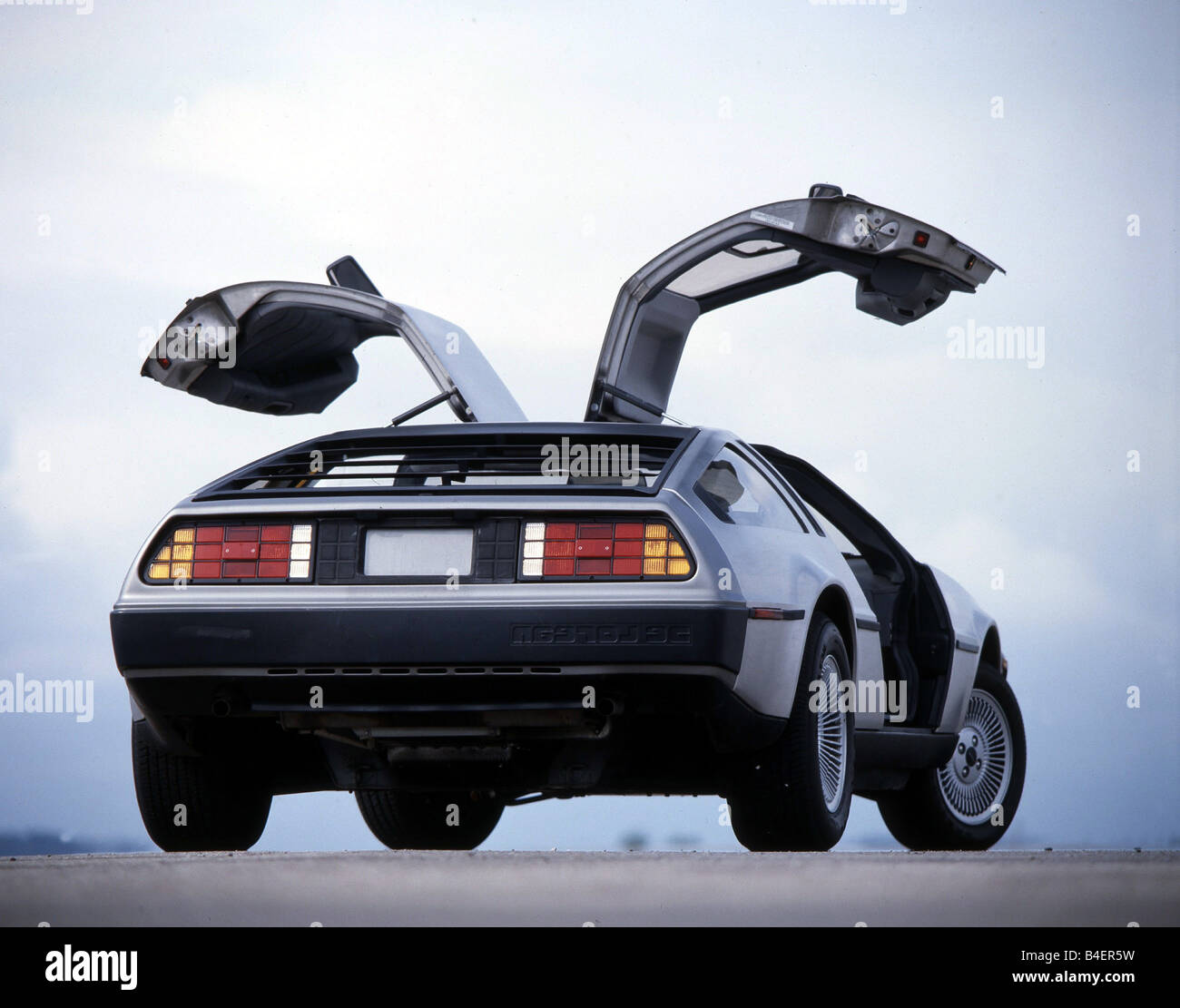 delorean dmc 12 auto oldtimer 1980er jahre 80er jahre. Black Bedroom Furniture Sets. Home Design Ideas