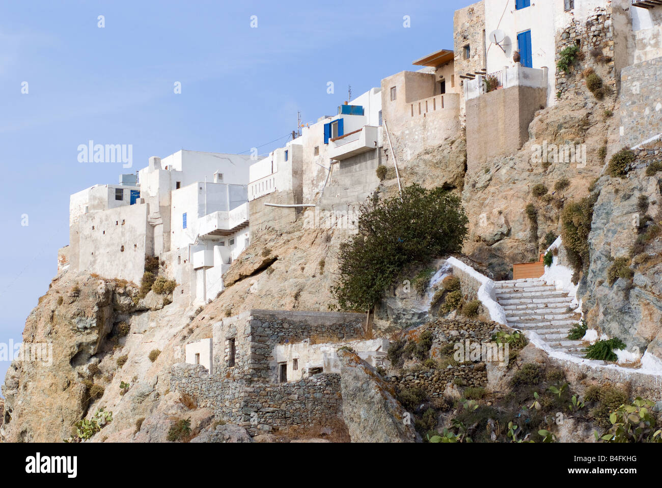 whitewashed chora serifos island greece stockfotos whitewashed chora serifos island greece. Black Bedroom Furniture Sets. Home Design Ideas