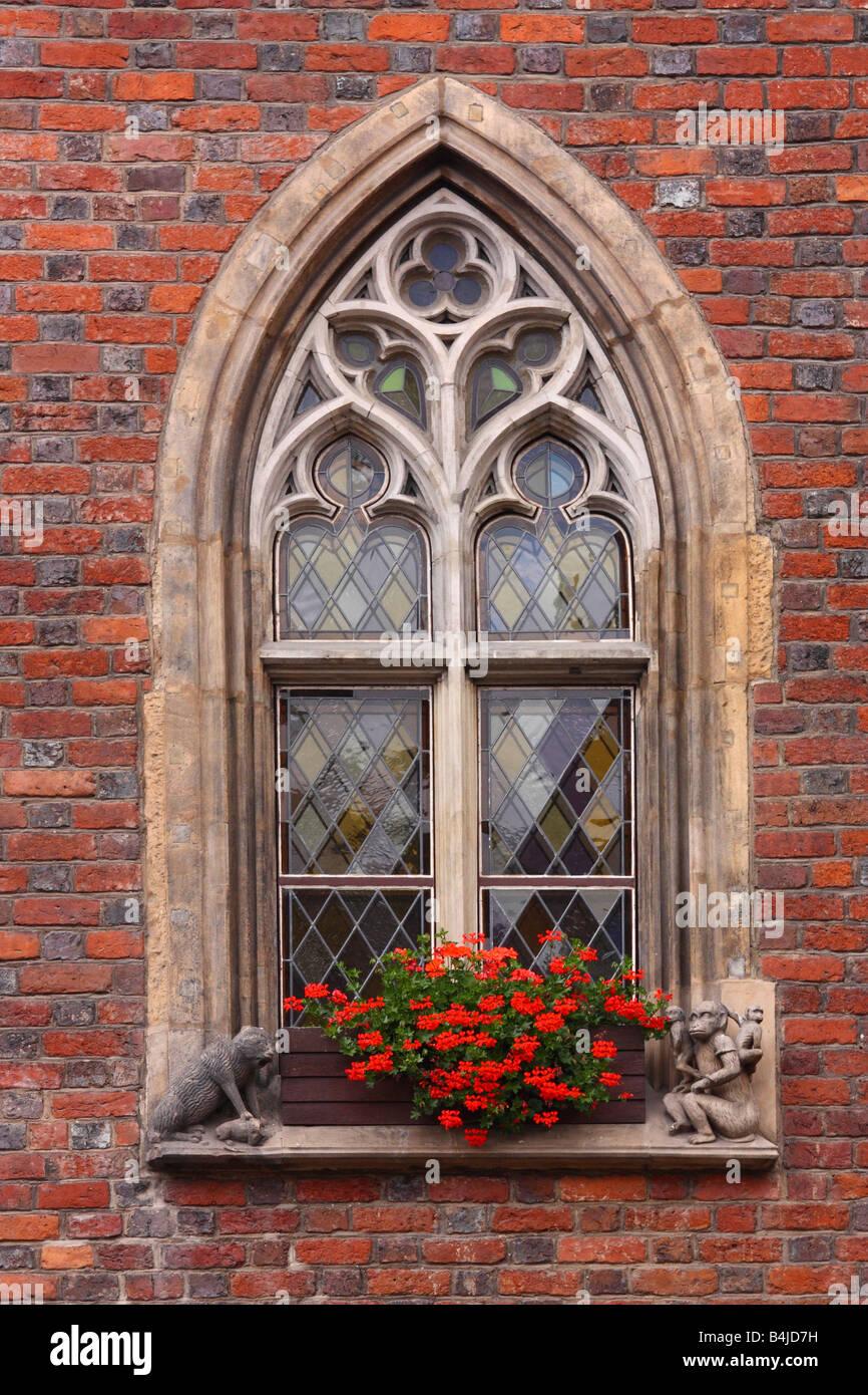 Window gothic style stockfotos window gothic style bilder alamy - Fenster style ...