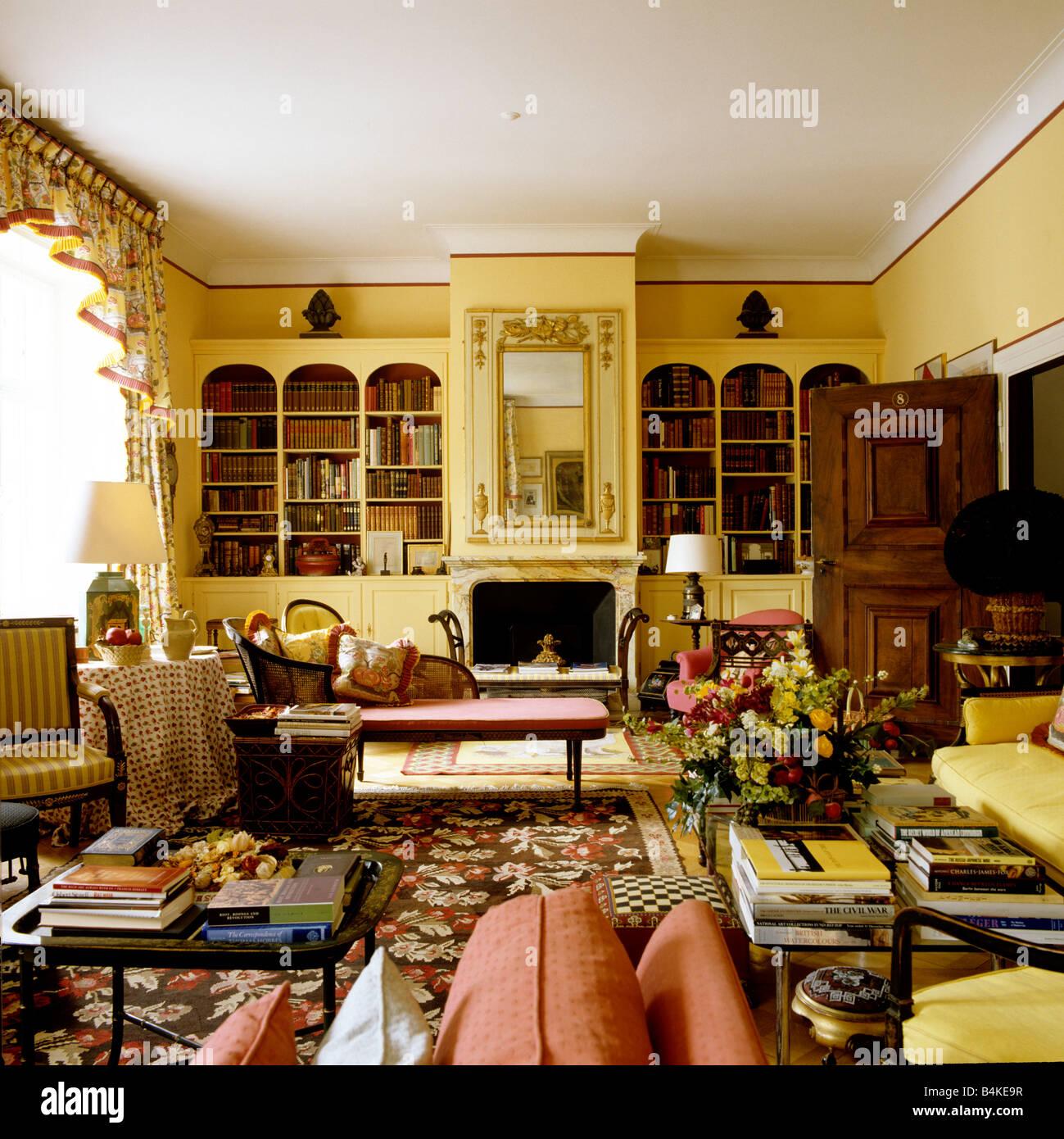 Salon in Basel Villa des 19. Jahrhunderts mit traditionellen ...