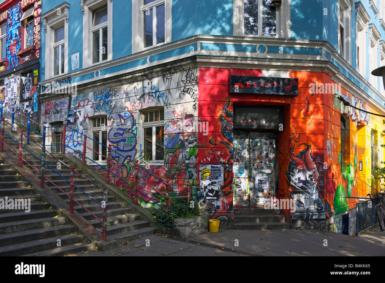 graffiti und wand kunst zu decken ein gesch ft und wohnungen in der st pauli bezirk hamburg. Black Bedroom Furniture Sets. Home Design Ideas
