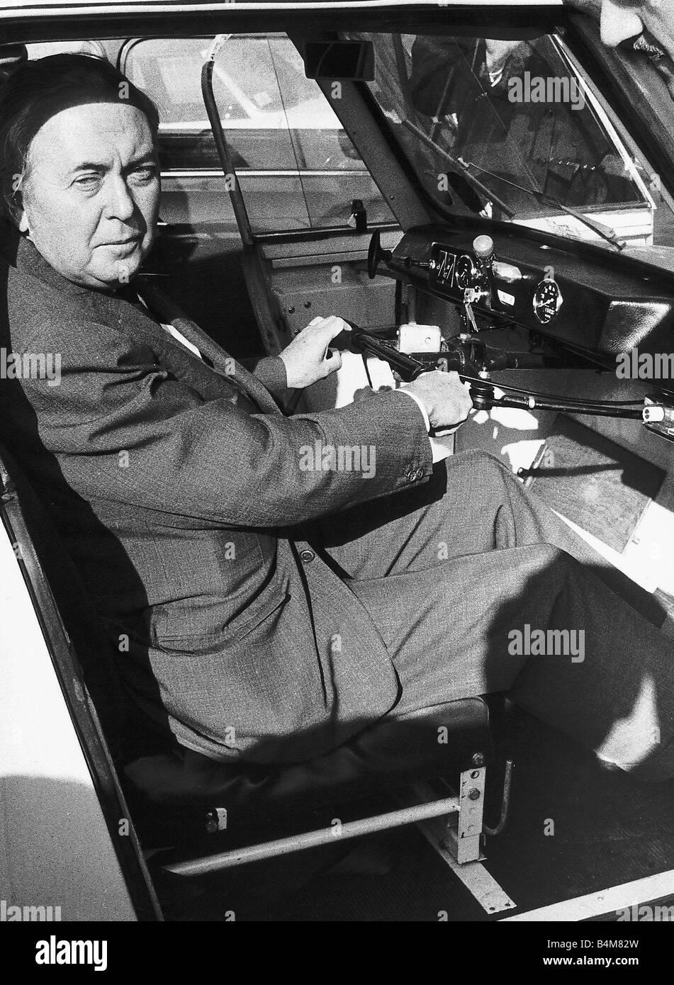 Premierminister Harold Wilson Arbeit auf ein neues Auto-Schema für ...