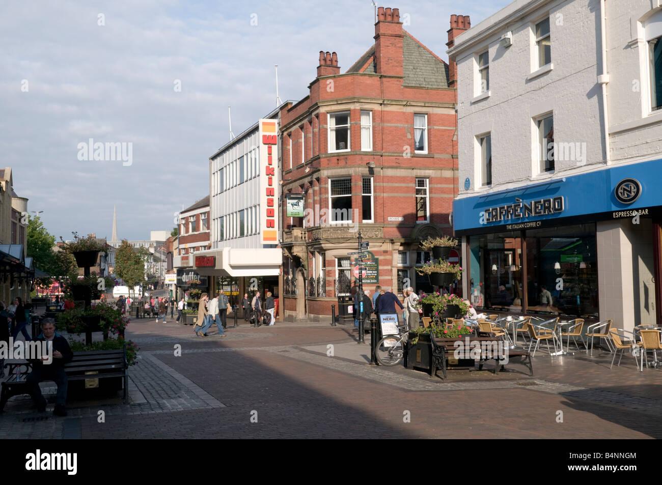 Friargate eines der wichtigsten Fußgängerzone Einkaufsstraßen im Stadtzentrum von Preston Lancashire Stockbild