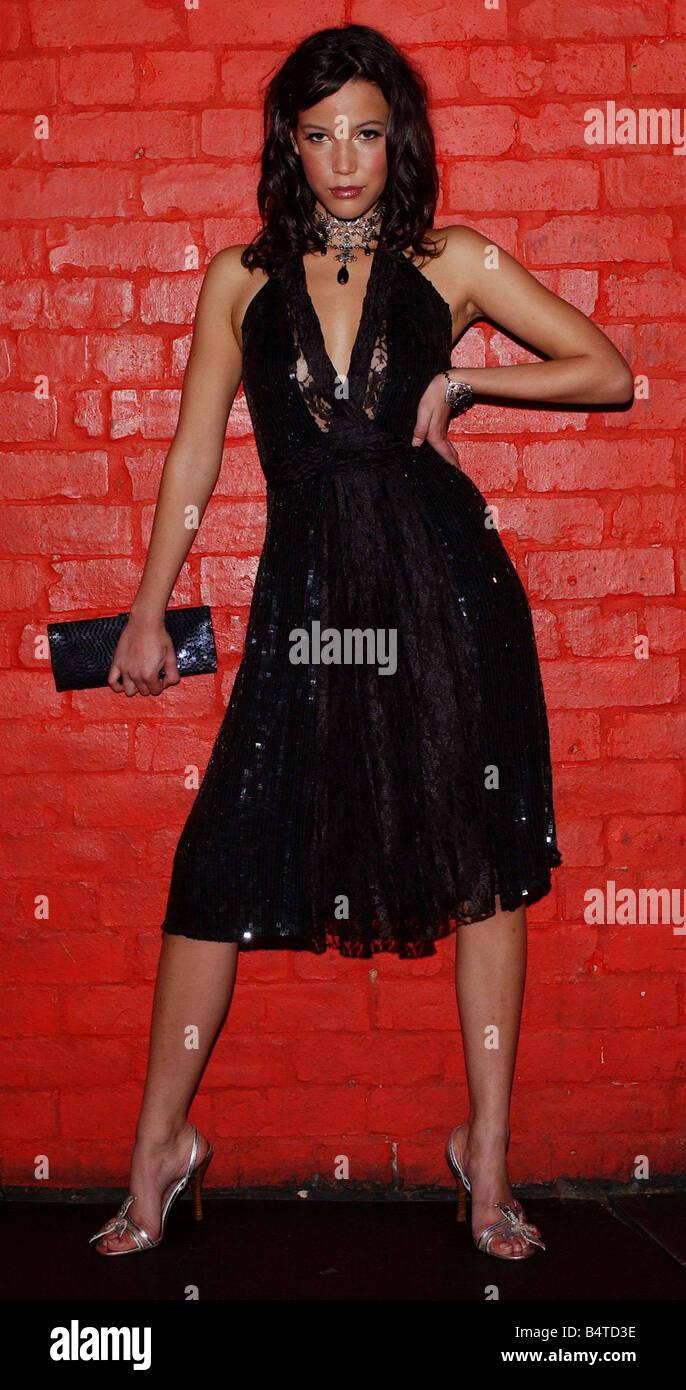 Pailletten Mode Dezember 2005 MODEL CAROLINE FORD schwarzes Kleid ...