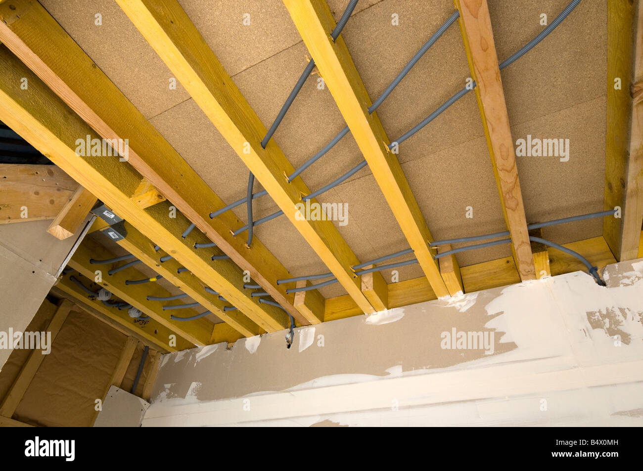 ceiling joists stockfotos ceiling joists bilder alamy. Black Bedroom Furniture Sets. Home Design Ideas