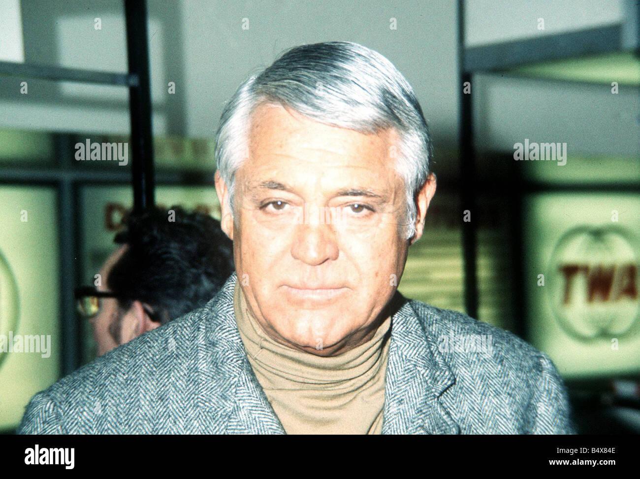 Cary Grant Schauspieler Rollkragen grau Jacke Stockbild