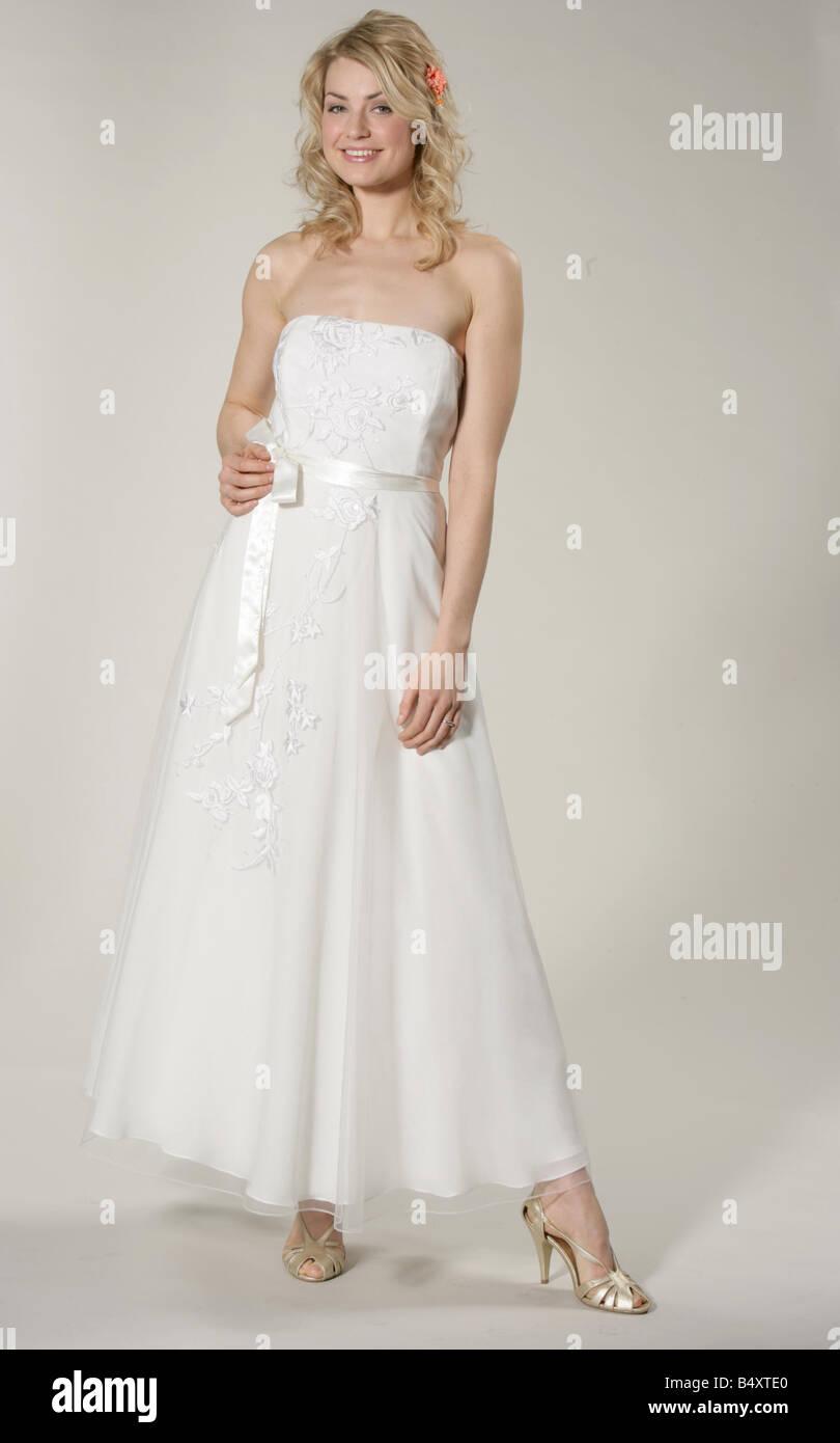 Groß Hochzeitskleid Marks And Spencer Bilder - Hochzeit Kleid Stile ...
