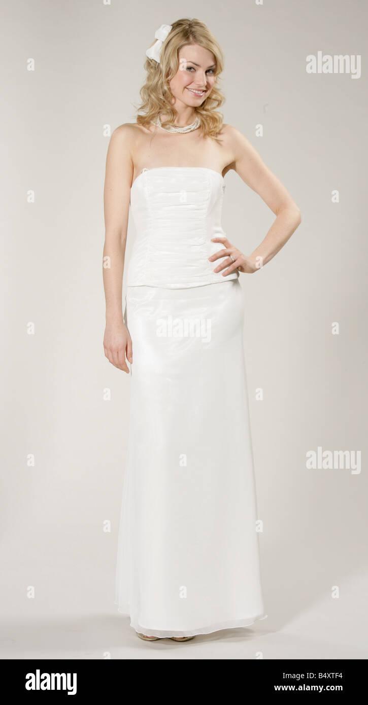 Beste Monique Lhuillier Brautkleid Preisspanne Fotos - Hochzeit ...