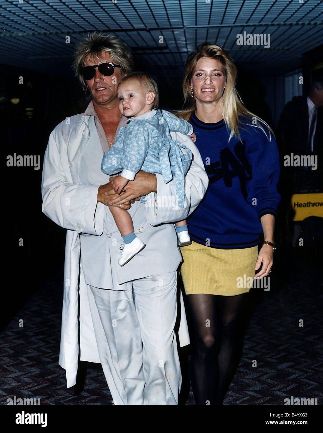 Rod Stewart Sängerin Mit Kelly Emberg Und Baby Stockfoto Bild