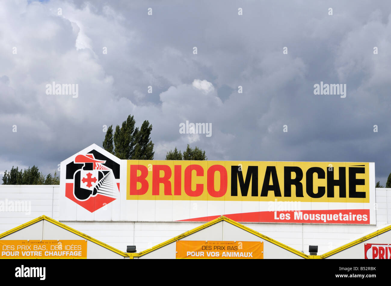 Bricomarche Baumarkt In Der Nähe Von Amboise Frankreich Stockfoto