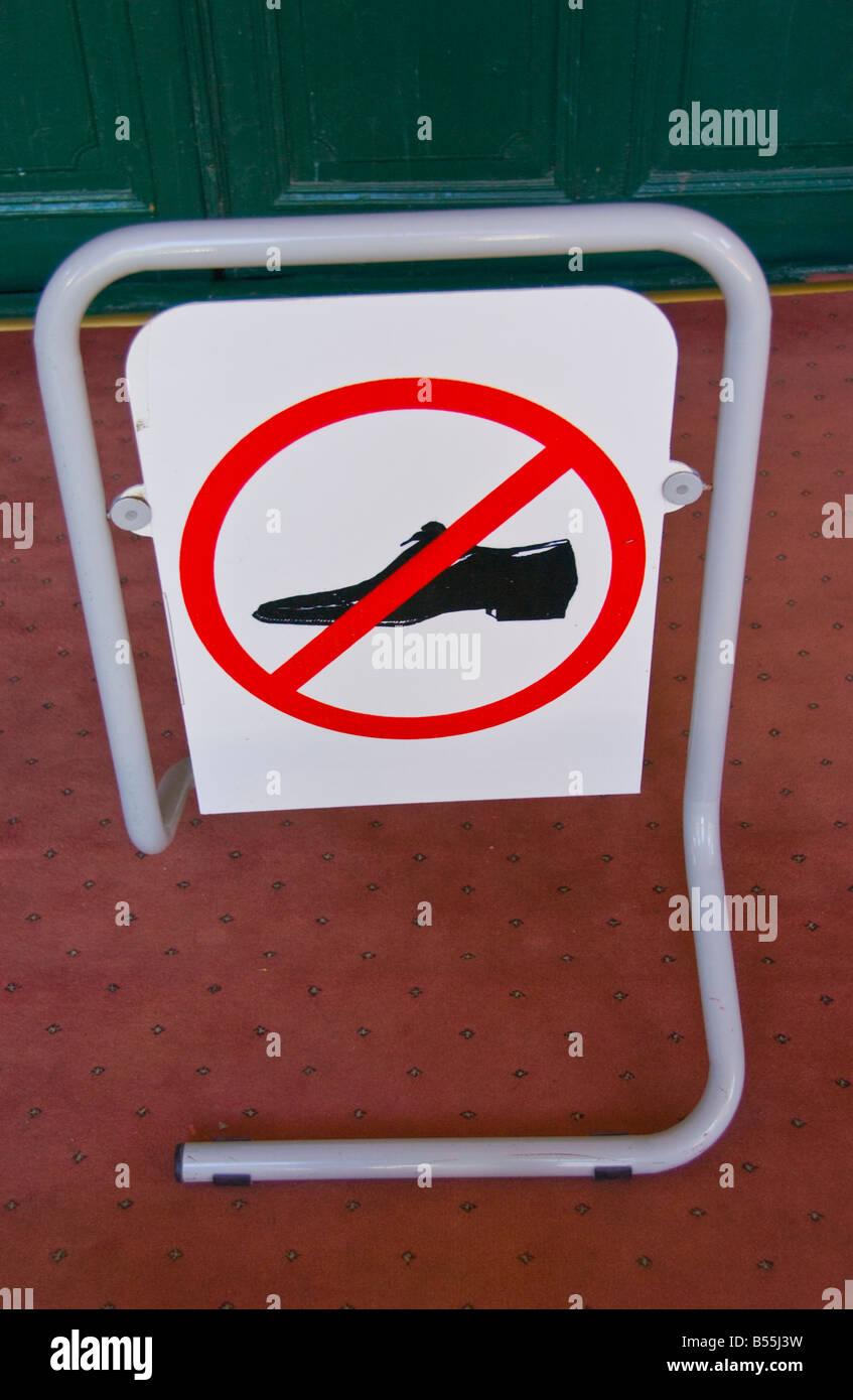391a431bee936f Melden Sie keine Schuhe an Selimiye Moschee früher St. Sophia Kathedrale  Nicosia türkische Republik Nordzypern
