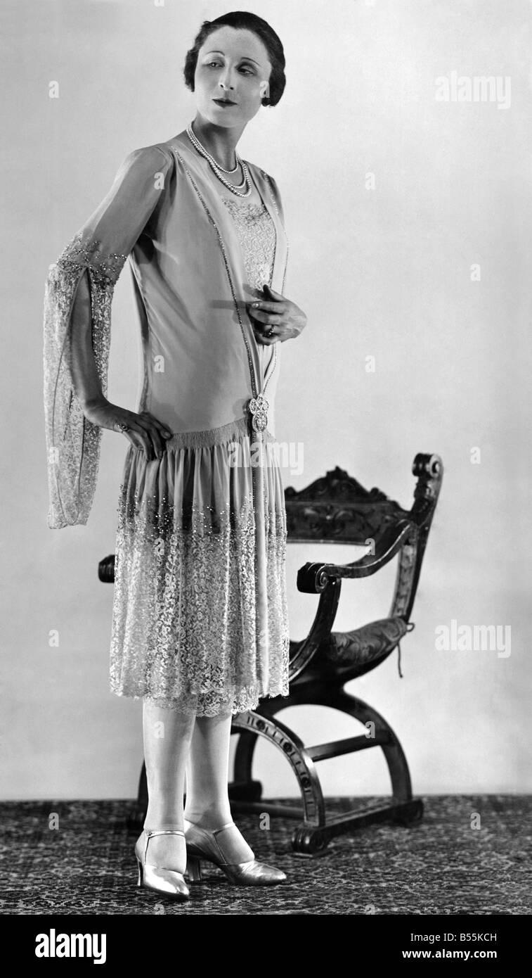 Gown 1920s Stockfotos & Gown 1920s Bilder - Alamy