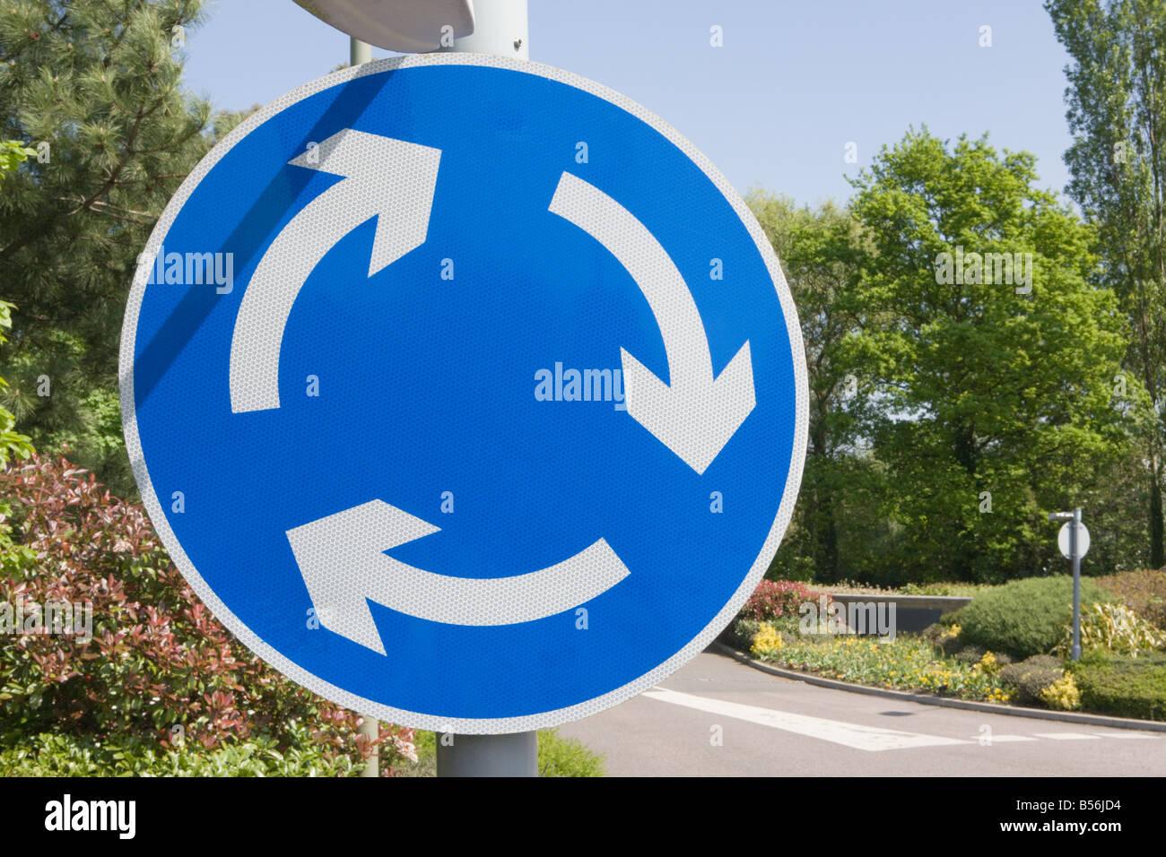Kreisverkehr-Schild Stockbild