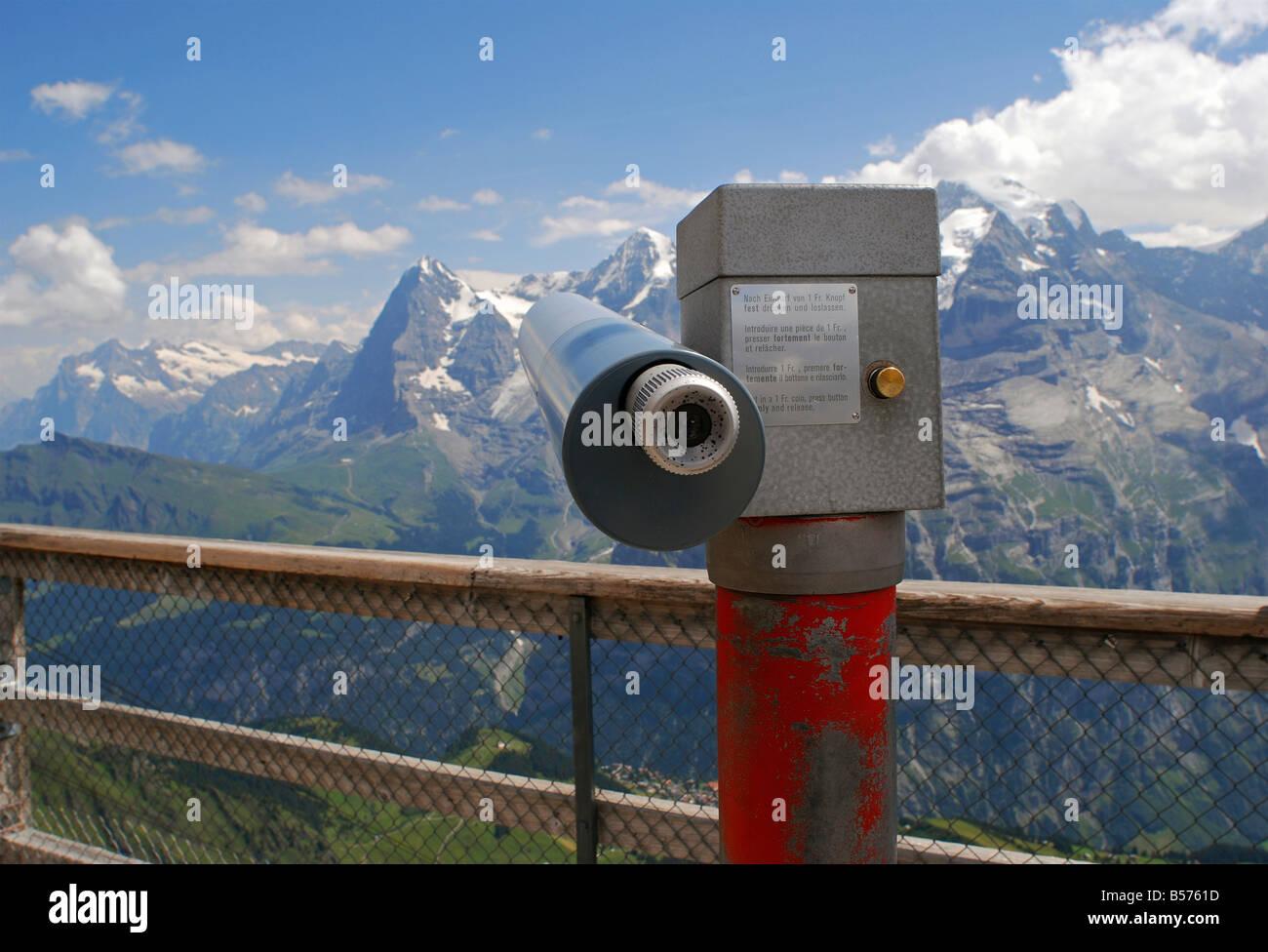 Teleskop eiger monch und jungfraujoch berge der schweiz stockfoto