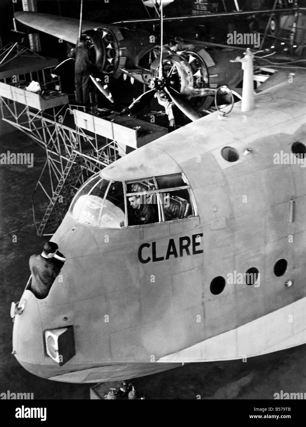 Das transatlantische Flugboot Clare ist nach ihren anstrengenden Reisen, vor der Übermittlung an Empire Neurouten überholt. November 1940 P004813 Stockfoto