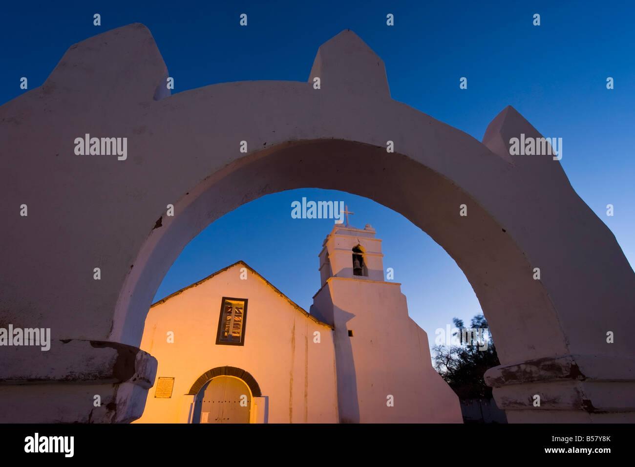Iglesia San Pedro, kolonialen Adobe ummauerte Kirche, San Pedro de Atacama, Chile, Atacama-Wüste, Norte Grande Stockbild