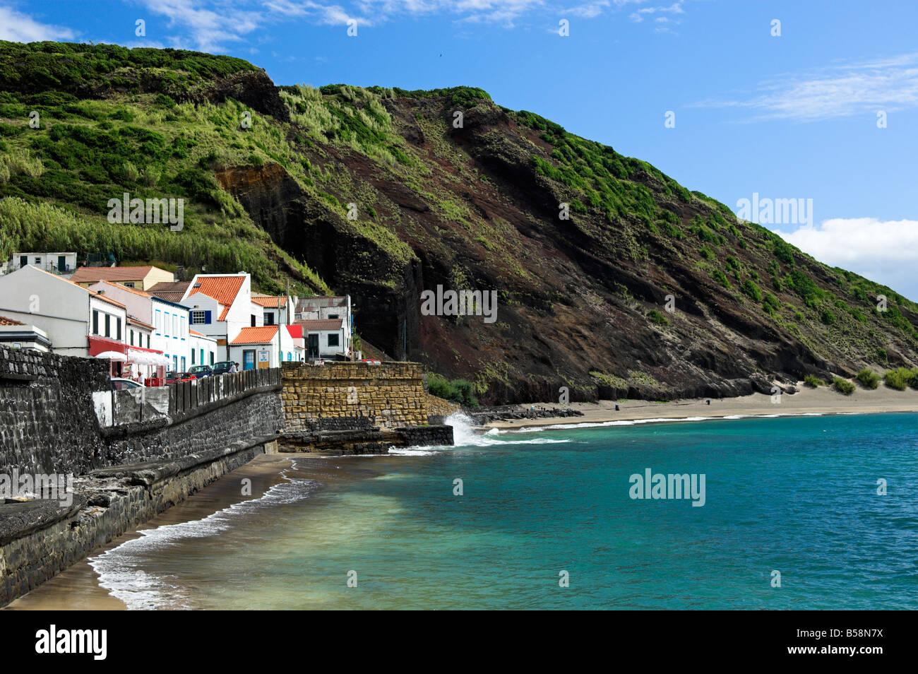 Porto Pim Bucht Mit Strand Hauser Und Vulkanischen Hugel Horta Auf