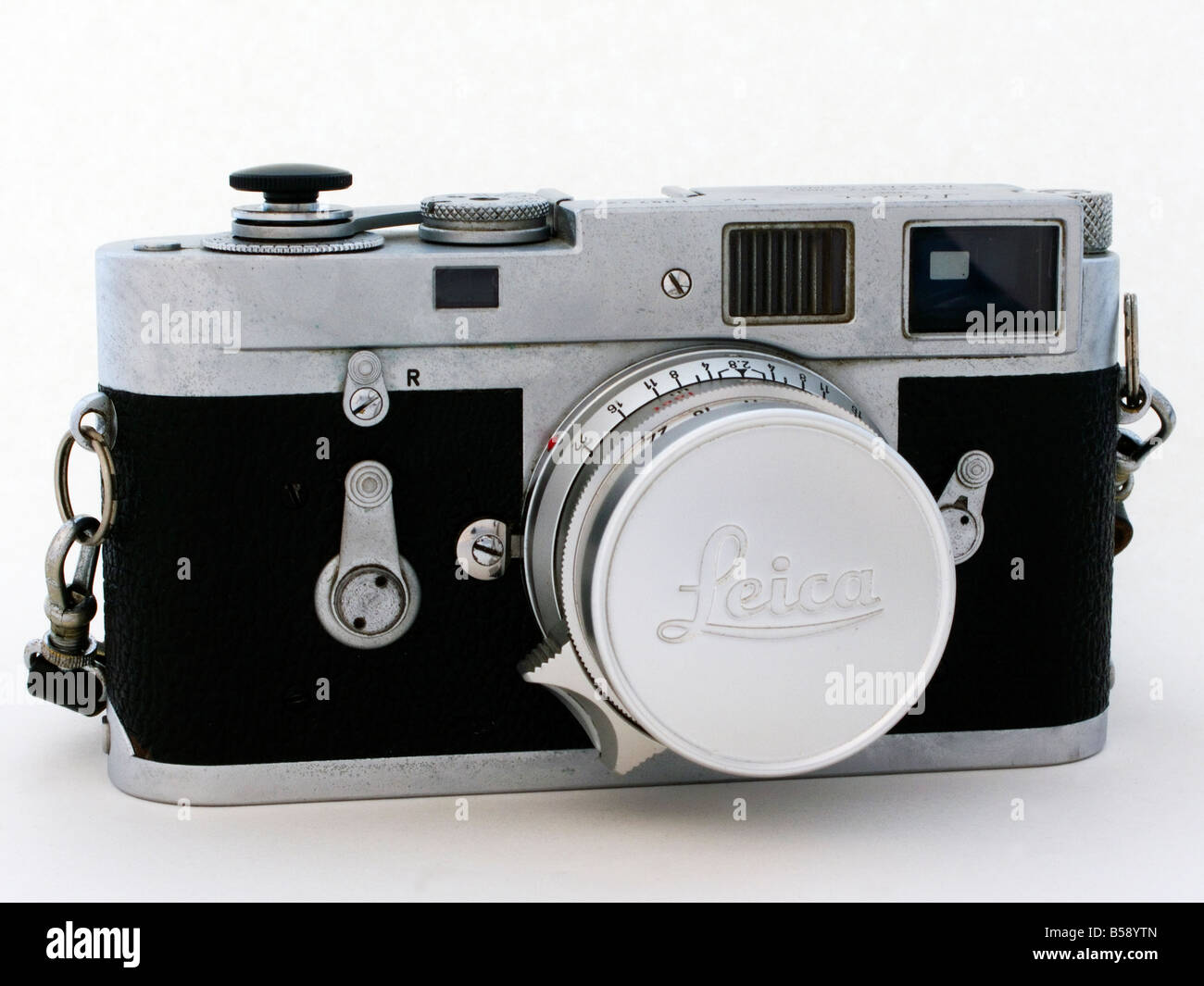 Leica Entfernungsmesser Fokos : Alte verwendet leica m2 kamera mit objektiv stockfoto bild
