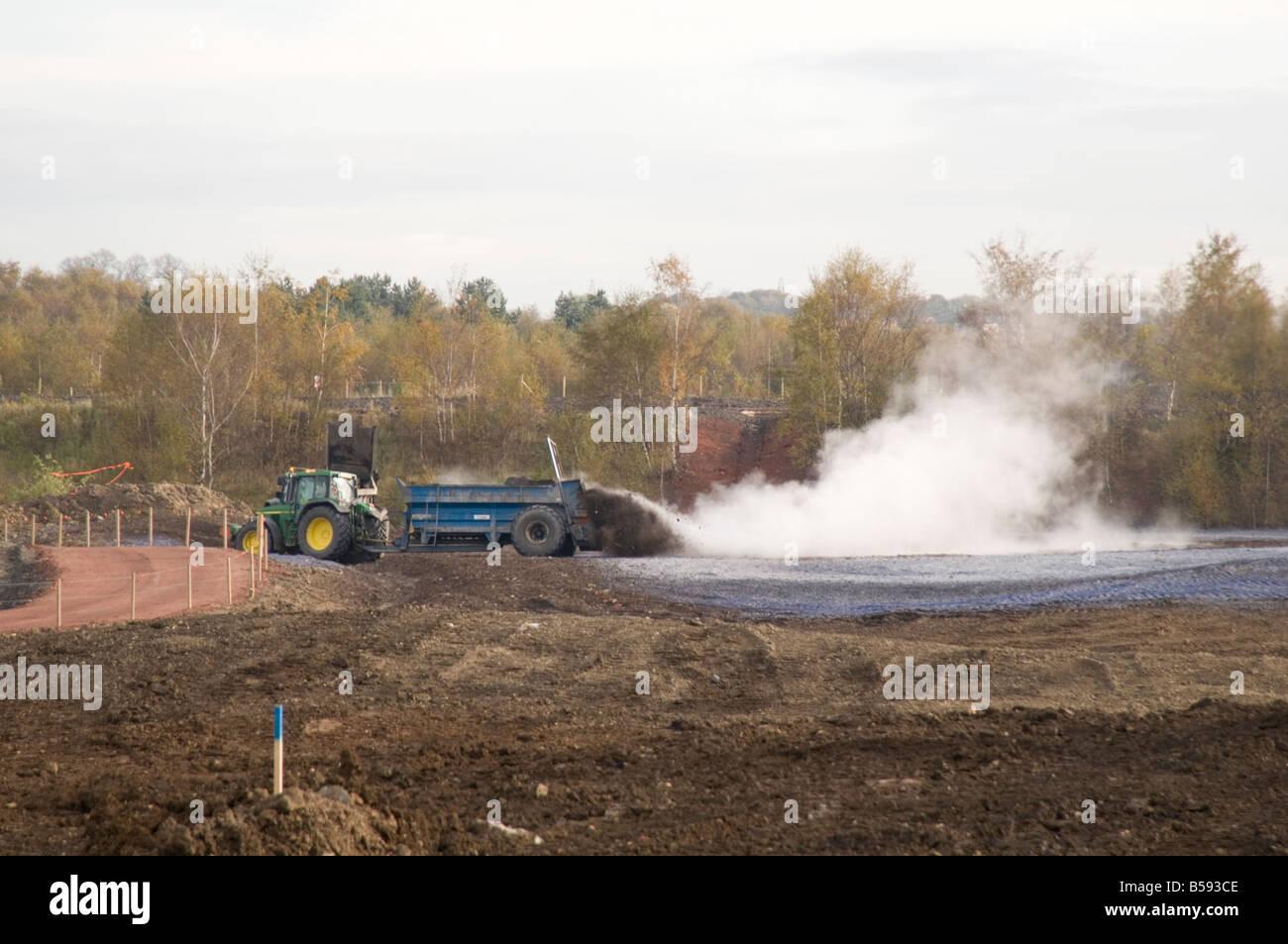 Kalk Kalken Dunger Boden Verjungung Zu Verbreiten Stockfoto Bild