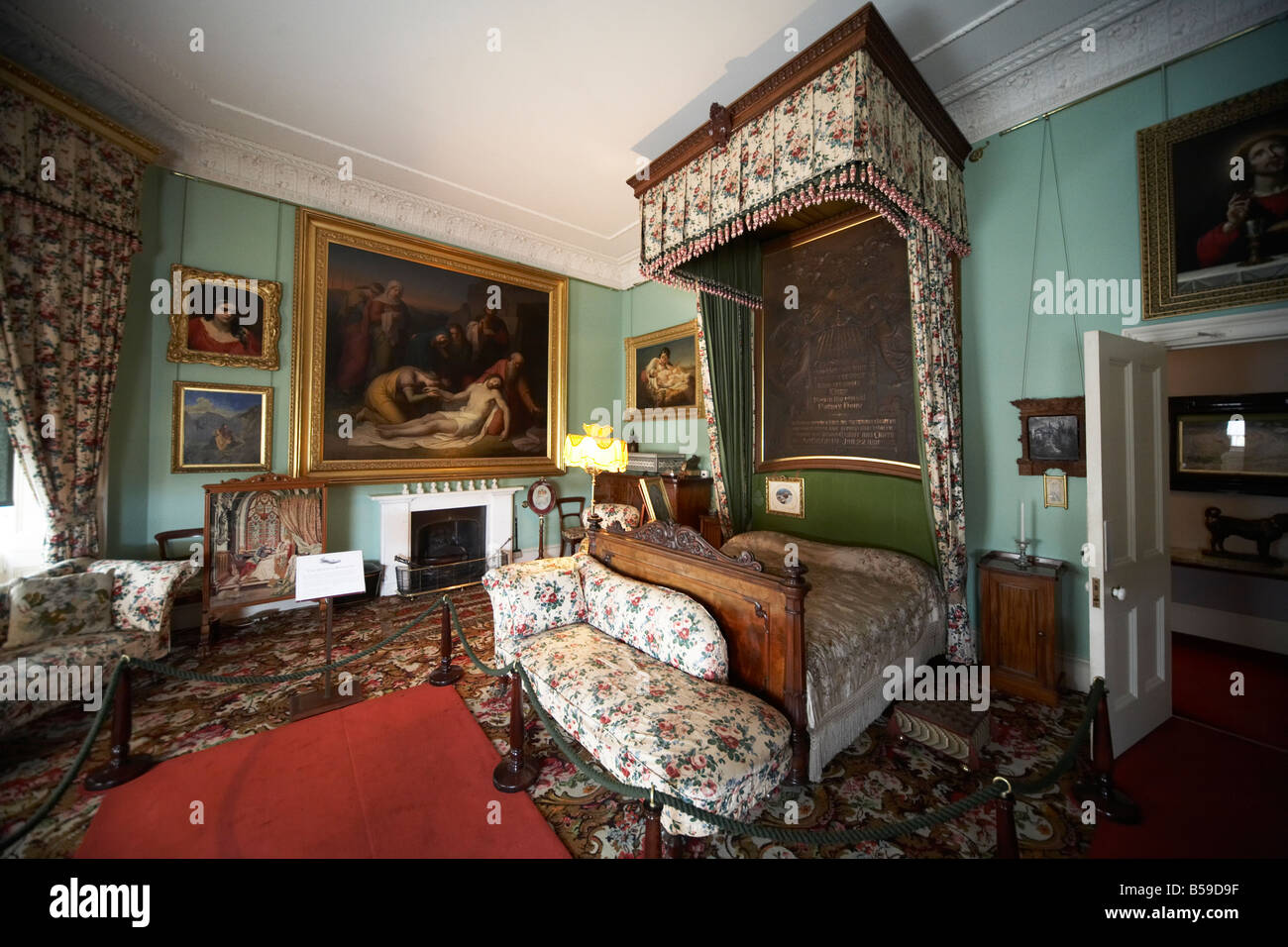 Queen Victoria Bedroom Osborne House Stockfotos & Queen Victoria ...