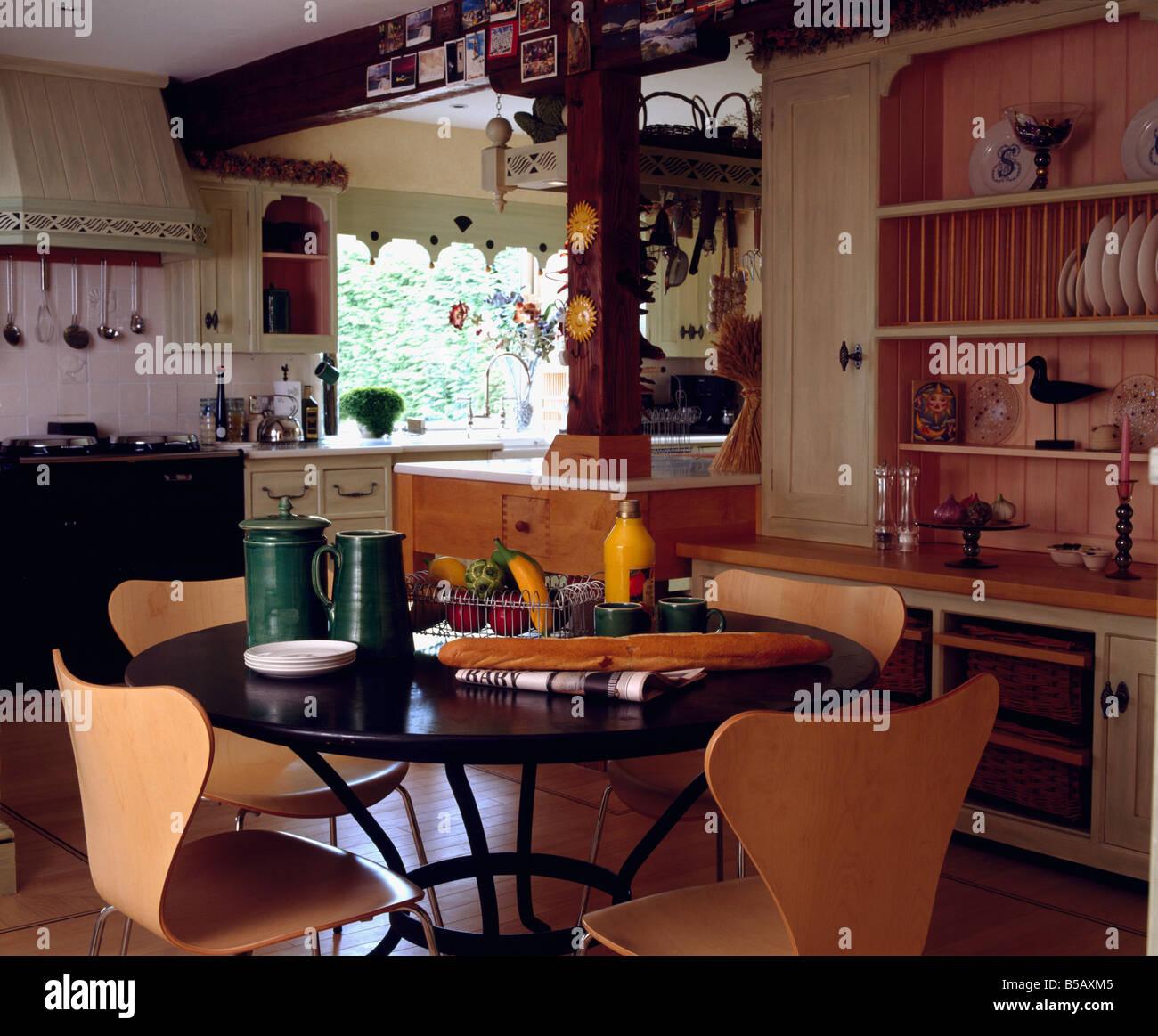 Schön Rundküchentisch 6 Stühlen Galerie - Küchenschrank Ideen ...
