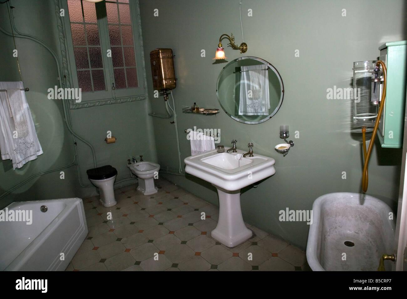 Eine reich verzierte, alte, antike Badezimmer in der Casa Mila La ...