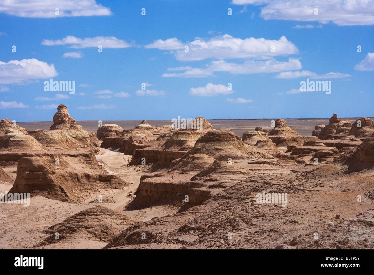 Monster City Bailongdui Yadan Geographie in der Wüste Yumenguan Gansu Provinz China Stockbild