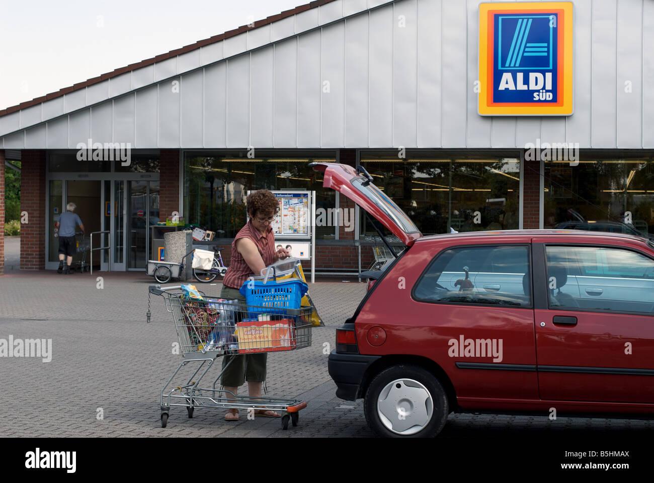 Auto Kühlschrank Aldi : Aldi und lidl stoppen verkauf von energydrinks an kinder