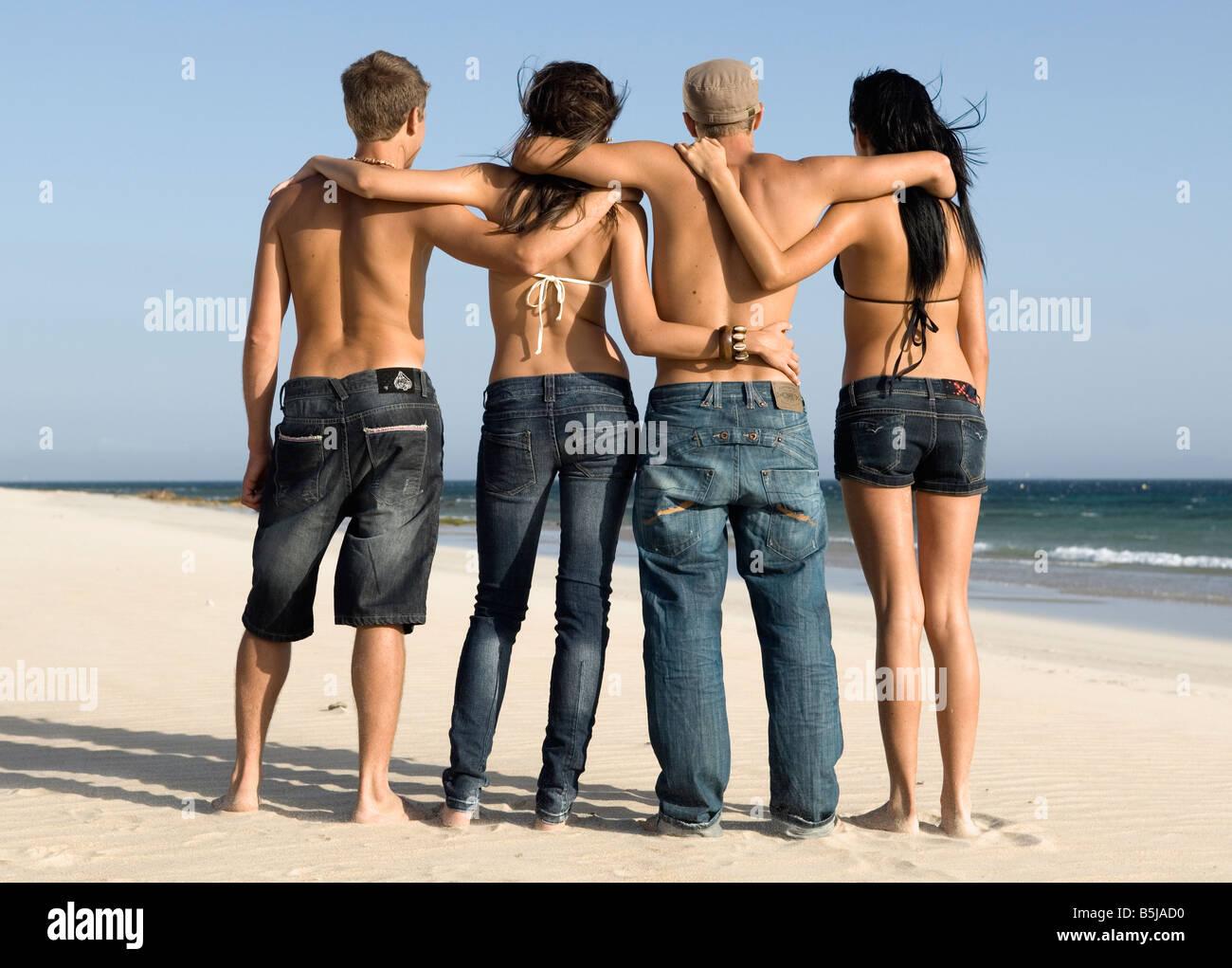 vier junge Freunde Stockbild
