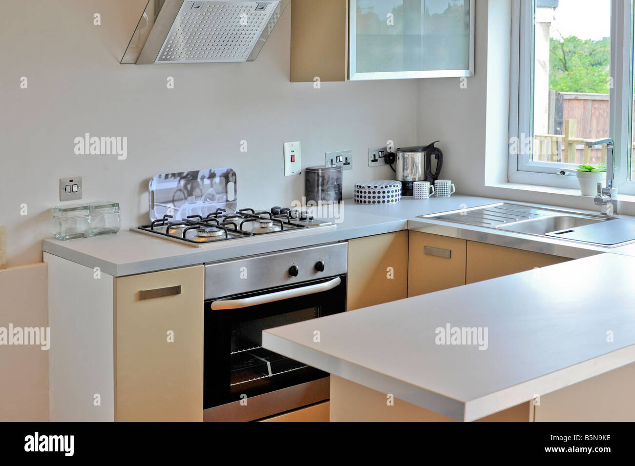 Nett Split Level Küche Renovieren Ideen - Küchenschrank Ideen ...