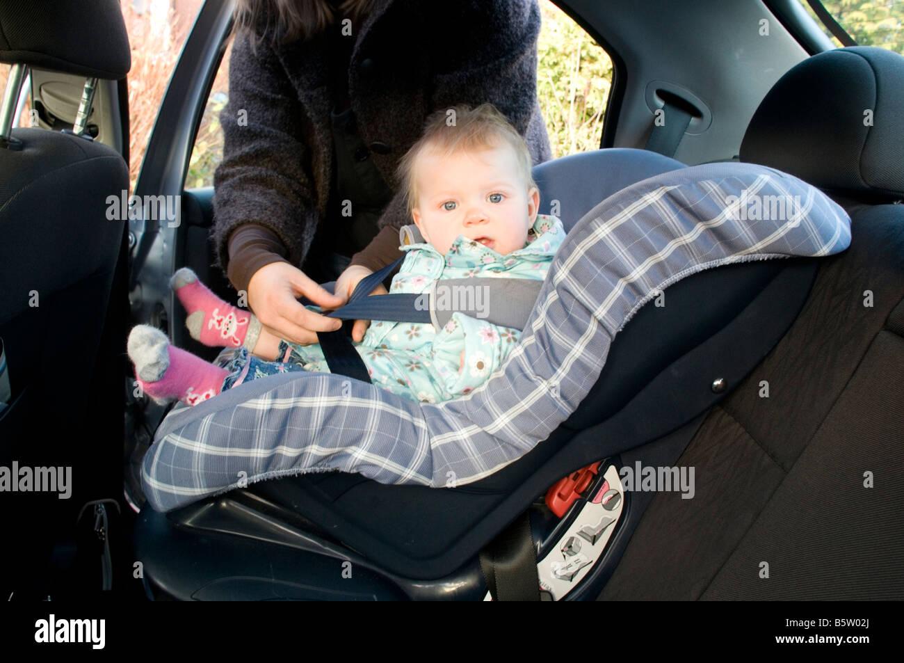 Kind Sitz Kind Baby Auto In Sicherheit Sicher Angeschnallt