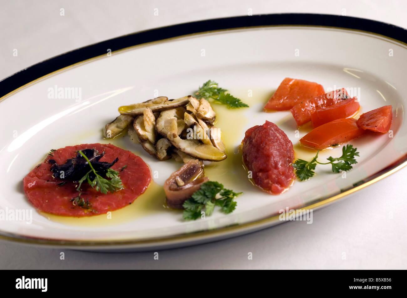 Muscheln mit Kartoffelpüree Sergio Mej Koch vier Jahreszeiten Hotel Mailand Lombardei Italien Stockbild