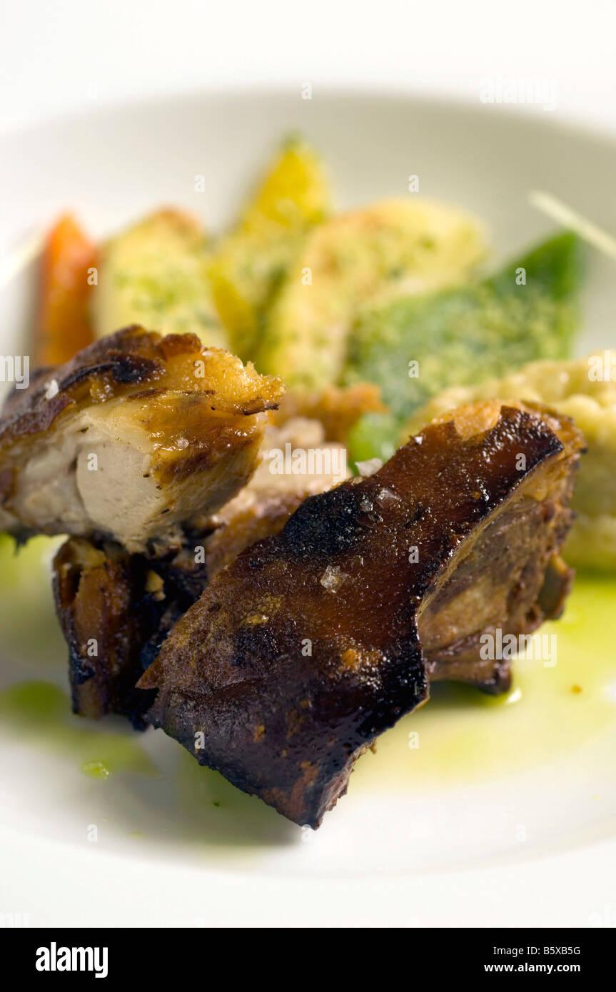 Lende vom Schwein in Kruste aus Kräutern Sergio Mej Koch vier Jahreszeiten Hotel Mailand Lombardei Italien Stockbild
