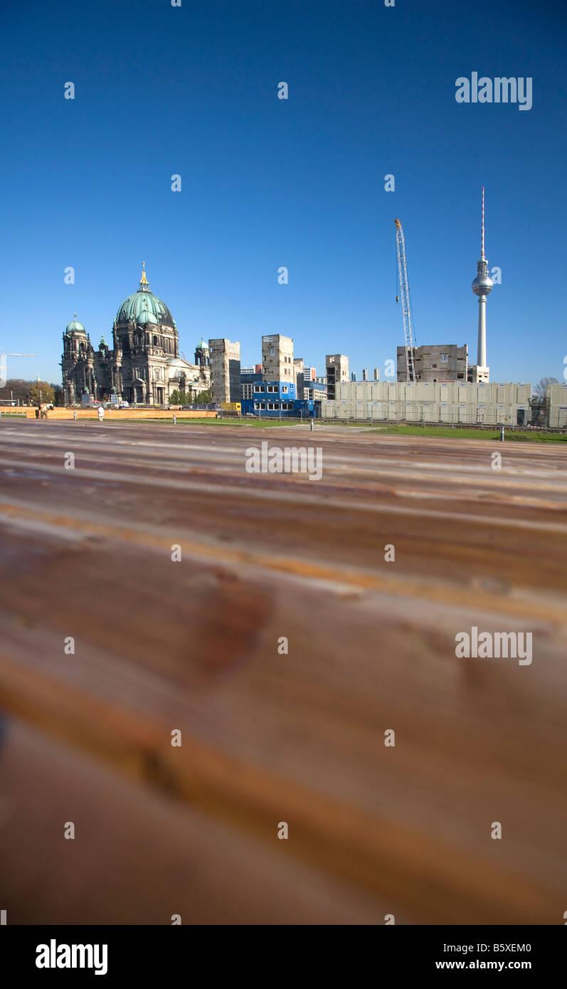 Bleibt der Palast der Republik Palast der Republik am Standort für den Abriss Stockbild