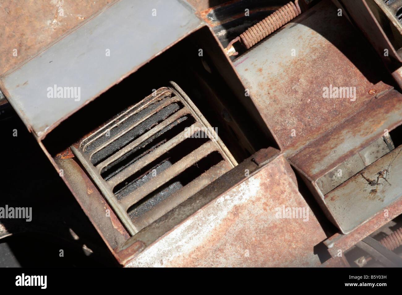 Eichhörnchen-Käfig-Fan aus dem Dienst entfernt Stockbild