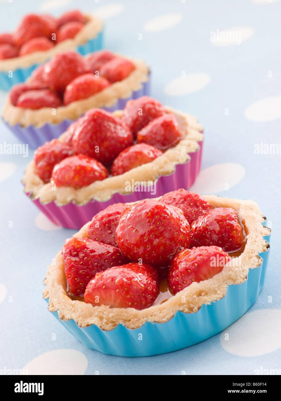 Erdbeer Pudding Kuchen Stockfoto Bild 20910096 Alamy
