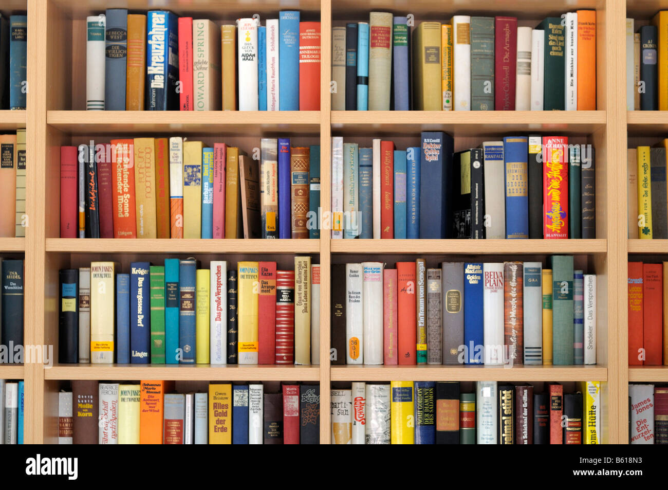 bookshelf stockfotos bookshelf bilder alamy. Black Bedroom Furniture Sets. Home Design Ideas