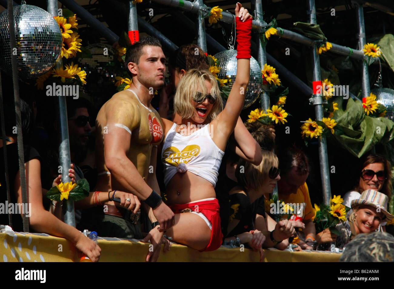 Nackt frau bild love parade foto 494