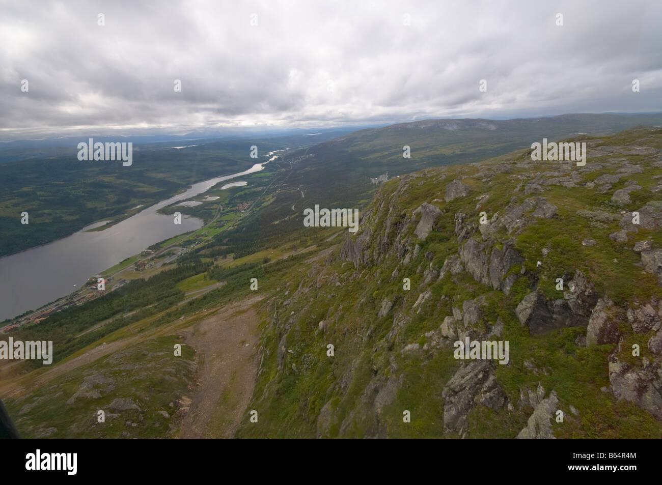 Teil des Indalsälven vom Åreskutan Berg gesehen. Stockbild
