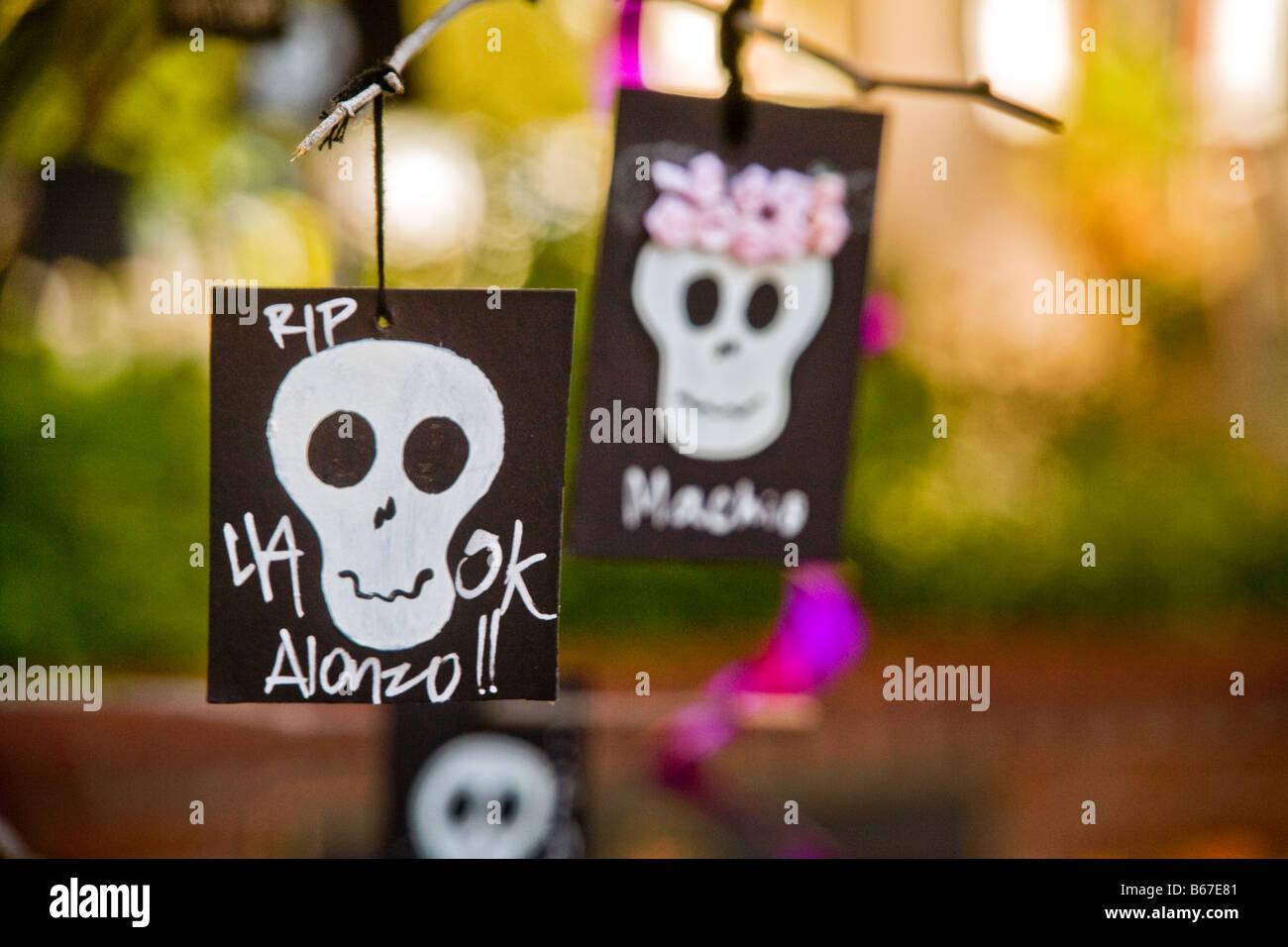 Karten Mit Totenkopf Bilder Feiern Den Tag Der Toten In Los Angeles