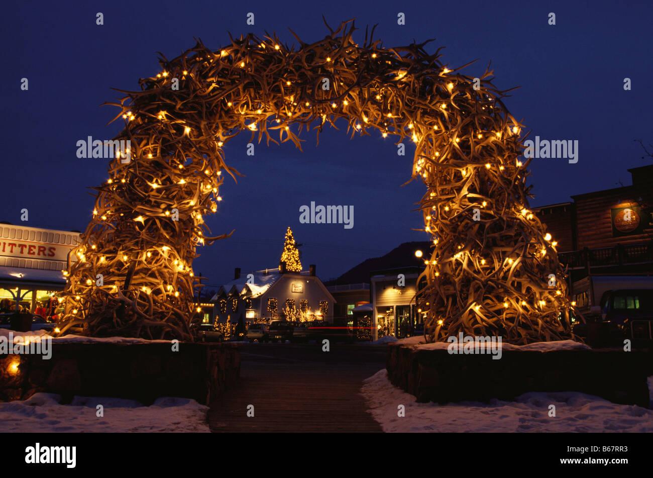 Weihnachtsschmuck an Elch Geweih Bogen, Stadtplatz, Jackson Hole ...