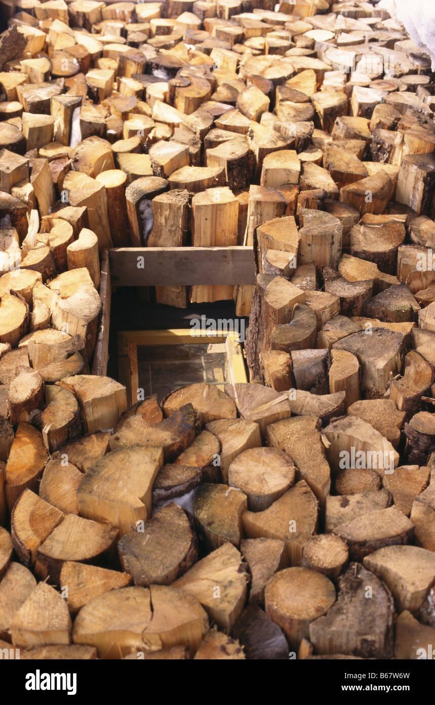 Prächtig Ein riesiger Haufen von Brennholz, Holz Carver Tyttl & Sohn #JZ_67