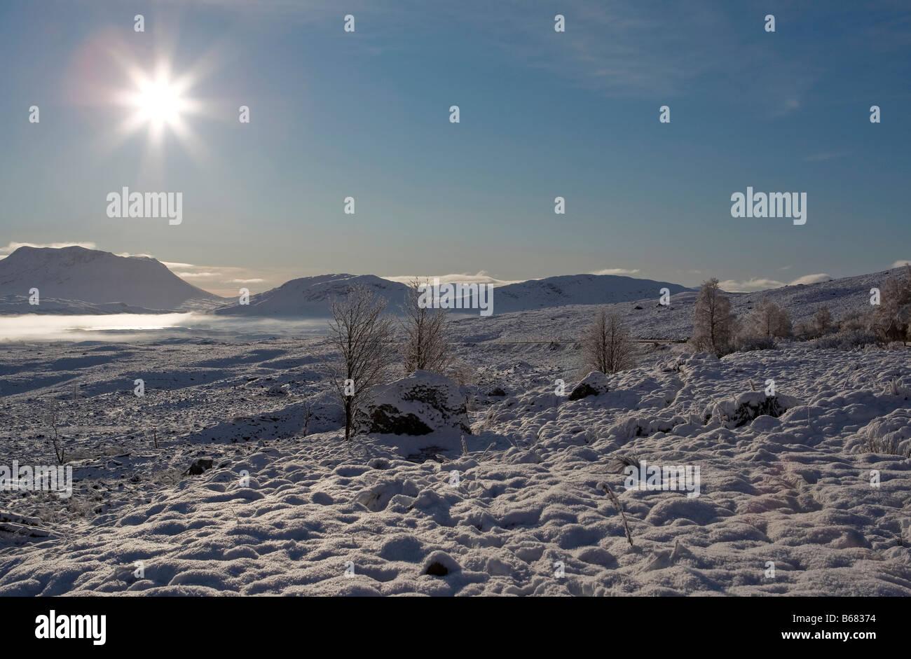 Schönen Guten Morgen Szene über Rannoch Moor Schnee