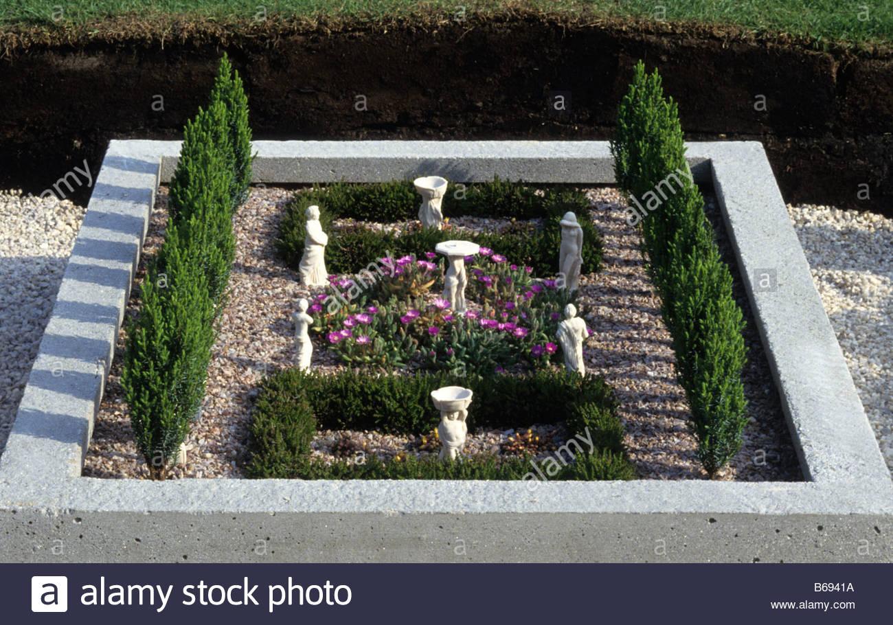 miniature garden stockfotos miniature garden bilder alamy. Black Bedroom Furniture Sets. Home Design Ideas