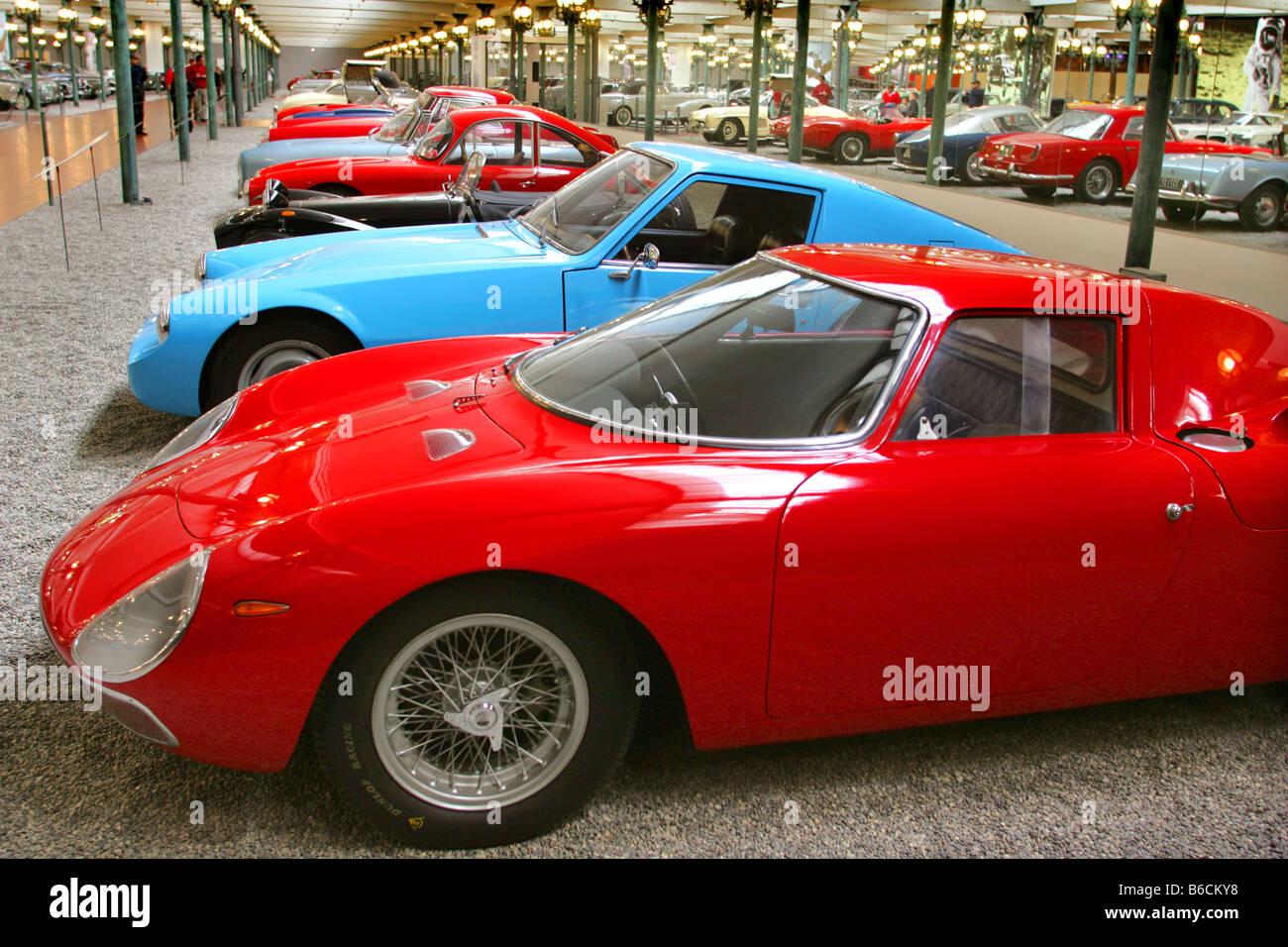 Klassische Fahrzeuge aus der Schlumpf-Sammlung im National Motor Museum in Mulhouse Frankreich Stockbild
