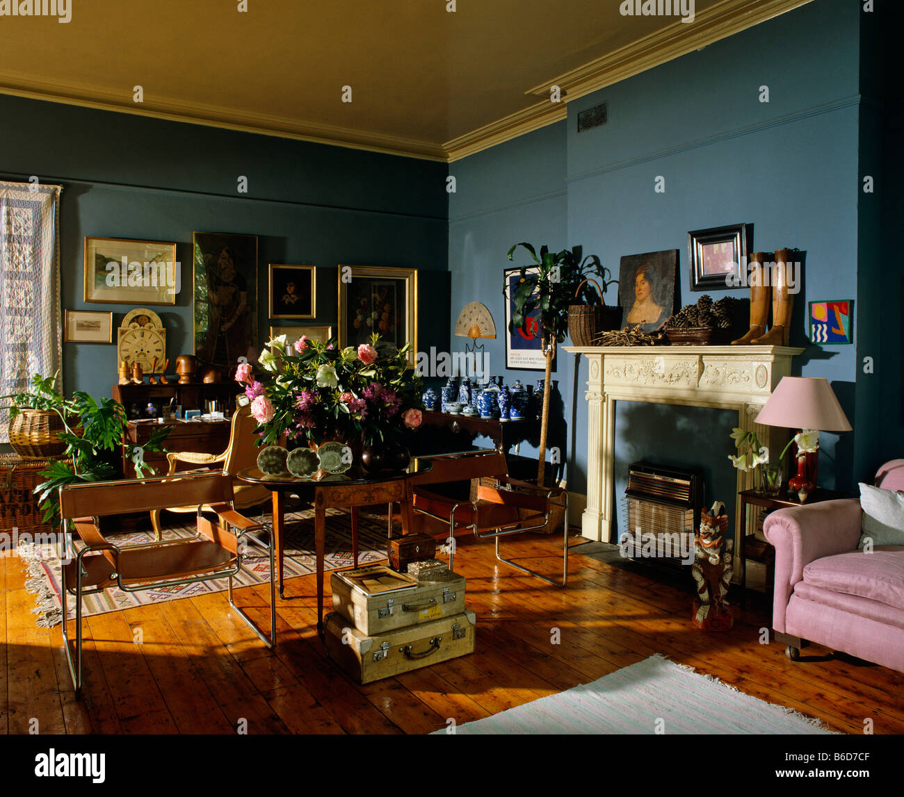 living room decor 80s stockfotos living room decor 80s bilder alamy. Black Bedroom Furniture Sets. Home Design Ideas
