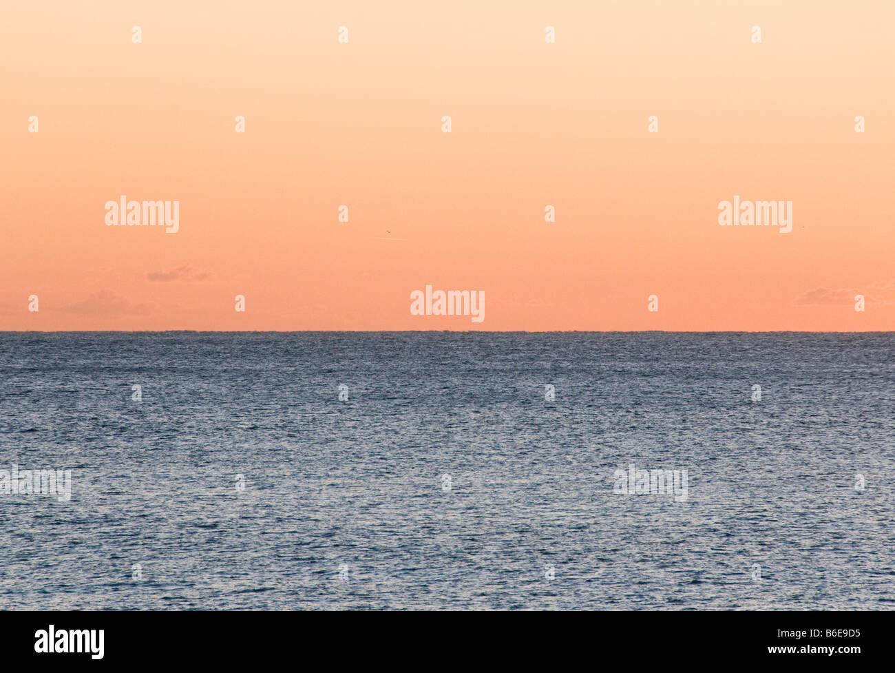 Der Horizont auf dem Meer Stockbild